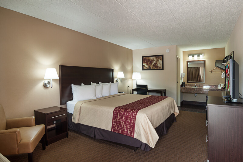 Red Roof Inn Springfield, IL Single King Room