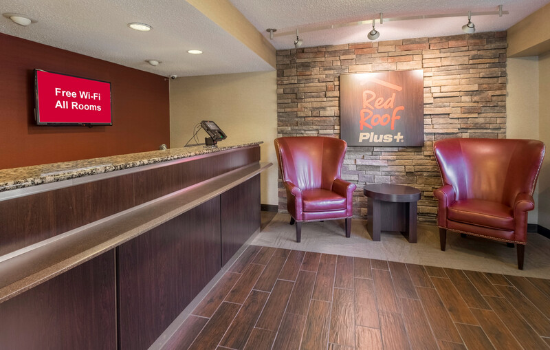 Red Roof PLUS+ Columbus - Dublin Front Desk and Lobby Image