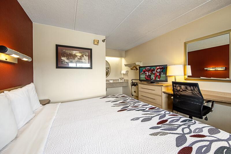 Red Roof Inn Binghamton - Johnson City Single King Room Image