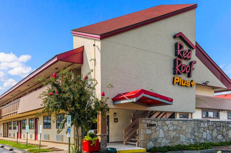 Red Roof PLUS+ Nashville North - Goodlettsville Exterior Property Image Details