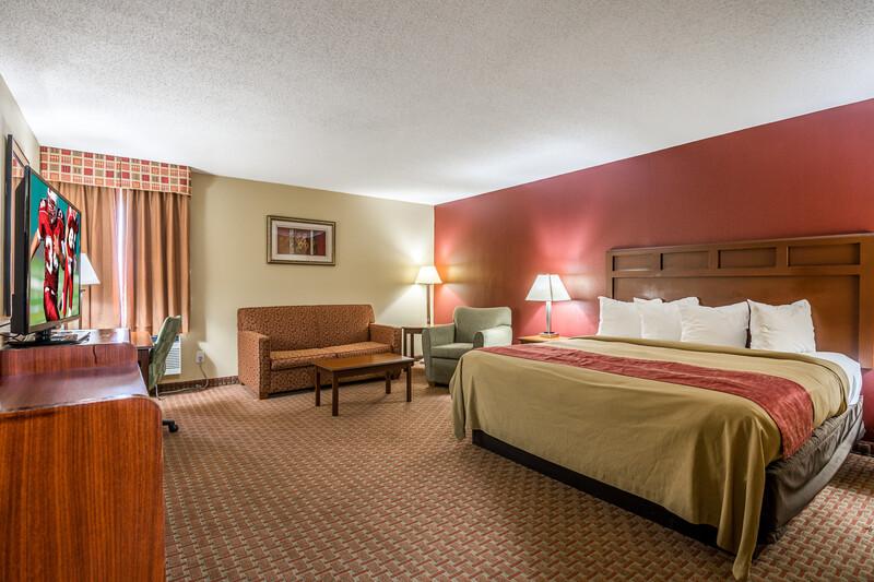 Red Roof Inn & Suites Little Rock King Suite Room