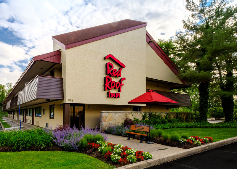 Red Roof Inn Parsippany Property Exterior Day Image Details