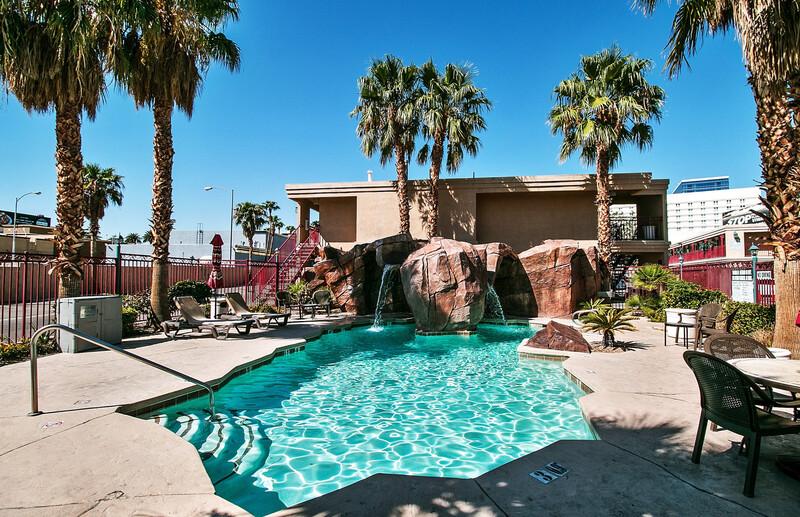 Red Roof Inn Las Vegas Outdoor Swimming Pool