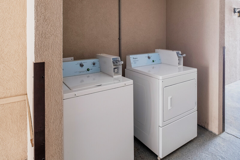 Red Roof Inn & Suites Rome, GA Guest Coin Laundry