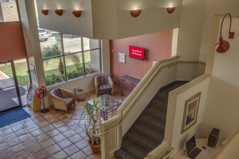 Red Roof Inn Pharr - McAllen Lobby Sitting Area Image