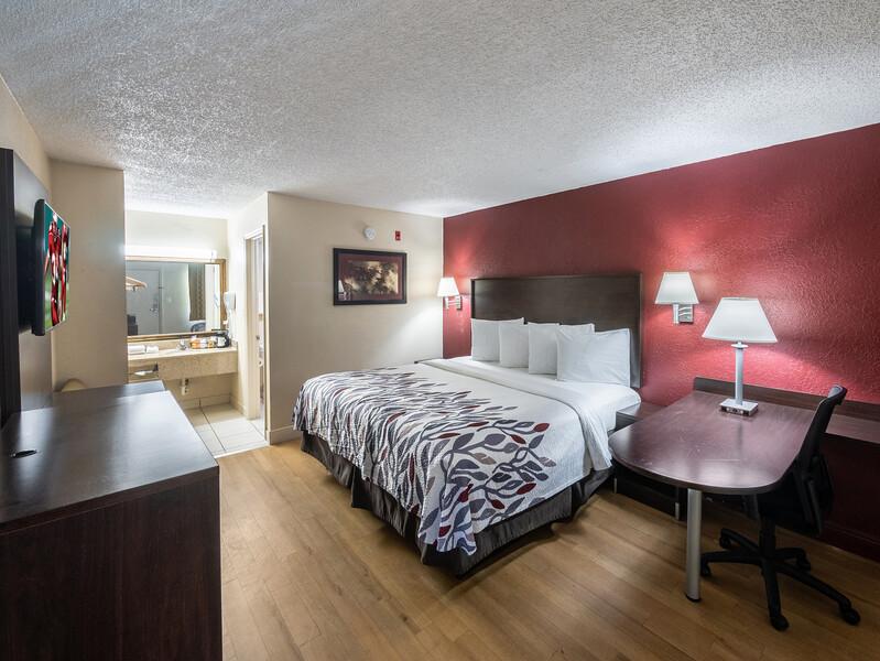 Red Roof Inn Orlando South - Florida Mall Single King Room
