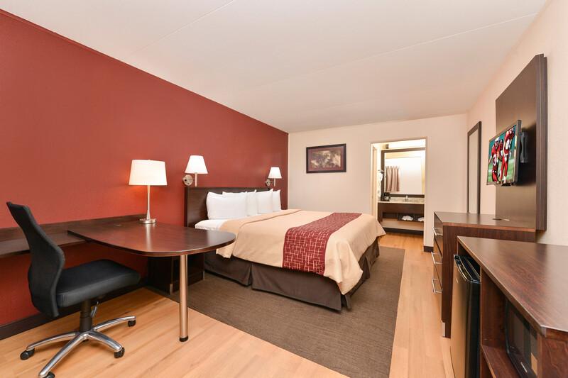 Red Roof Inn Marietta Superior King Room Image Details