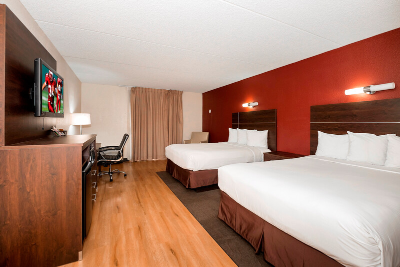 Red Roof PLUS+ & Suites Knoxville West-Cedar Bluff Premium 2 Queen Beds
