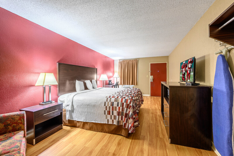 Red Roof Inn Sylacauga Single King Room Property Detail Image