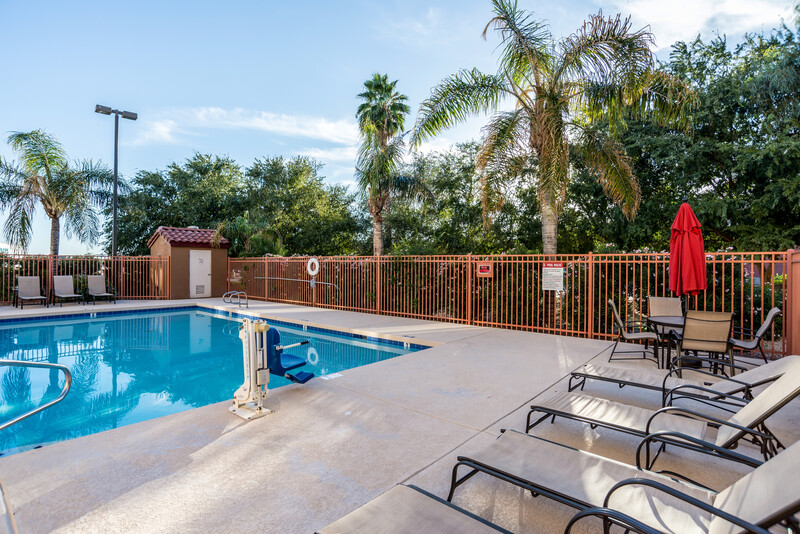 Red Roof Inn Phoenix North - Bell Road Outdoor Swimming Pool