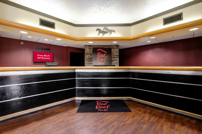 Red Roof Inn Hot Springs Lobby Area Image