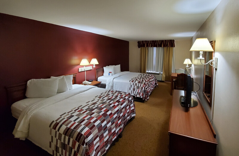 Red Roof Inn & Suites Manchester, TN Double Bed Room Image