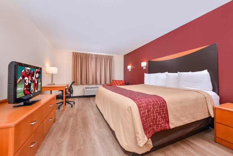 Red Roof Inn & Suites Danville, IL Single King