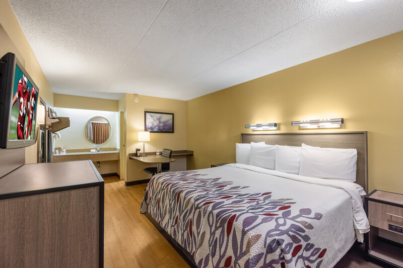 Red Roof Inn Kalamazoo West - Western Michigan U King Room 2