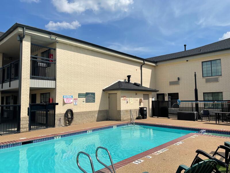 Red Roof Inn & Suites Weatherford Pool Image