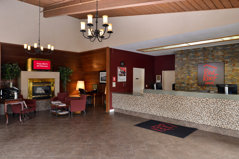 Red Roof Inn Arcata Lobby Area Property Image
