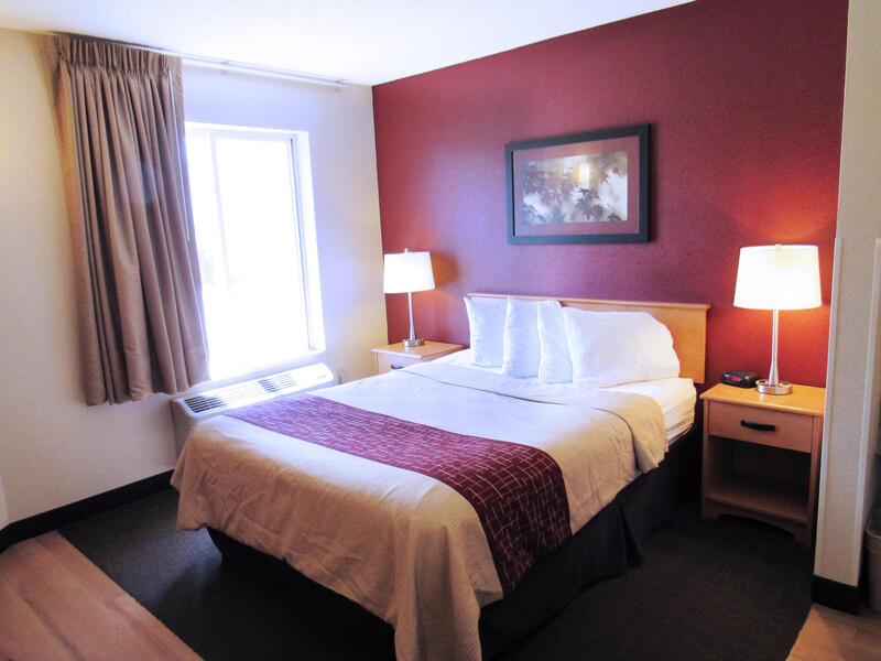 Red Roof Inn Fargo – I-94/Medical Center Single Queen Room Image