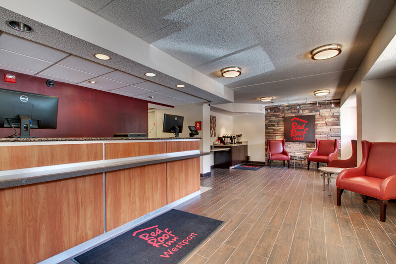 Red Roof Inn St Louis - Westport Front Desk and Lobby Image