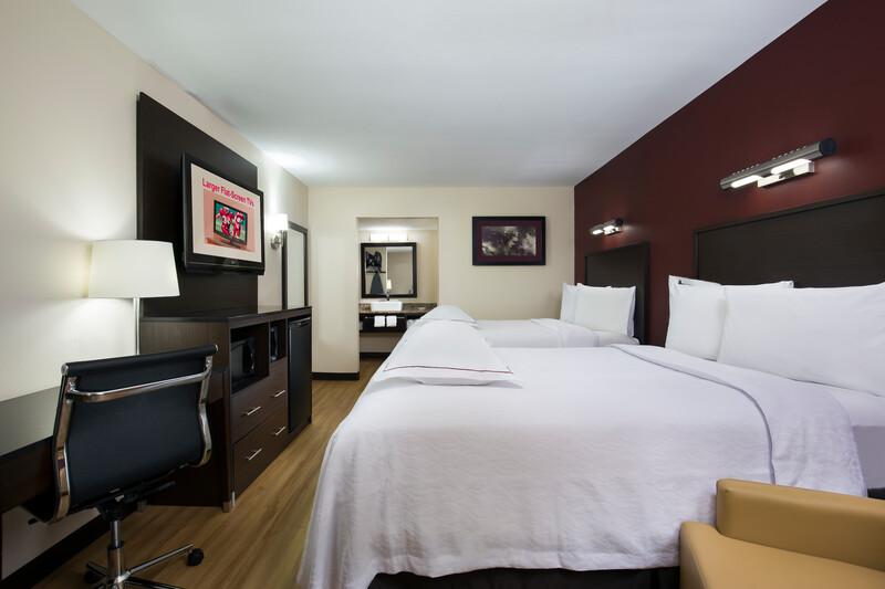 Red Roof PLUS+ Birmingham East - Irondale/Airport Premium Room