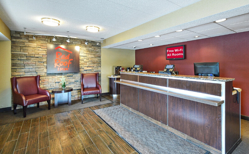 Red Roof Inn Louisville Expo Airport Front Desk and Lobby Image