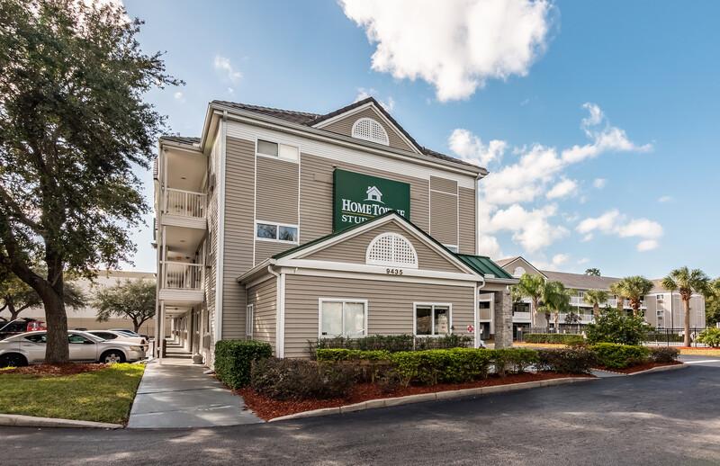 HomeTowne Studios Orlando South Property Exterior