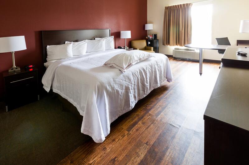 Red Roof PLUS+ Danville, KY Premium King Room Image