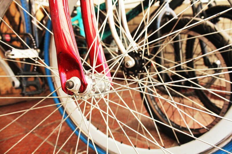 spokes on bicycle tires