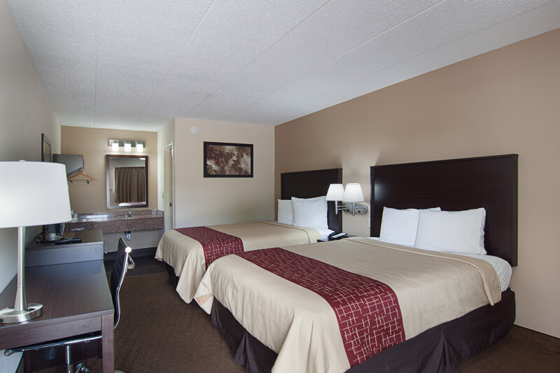 Red Roof Inn Springfield, IL Deluxe Double Room