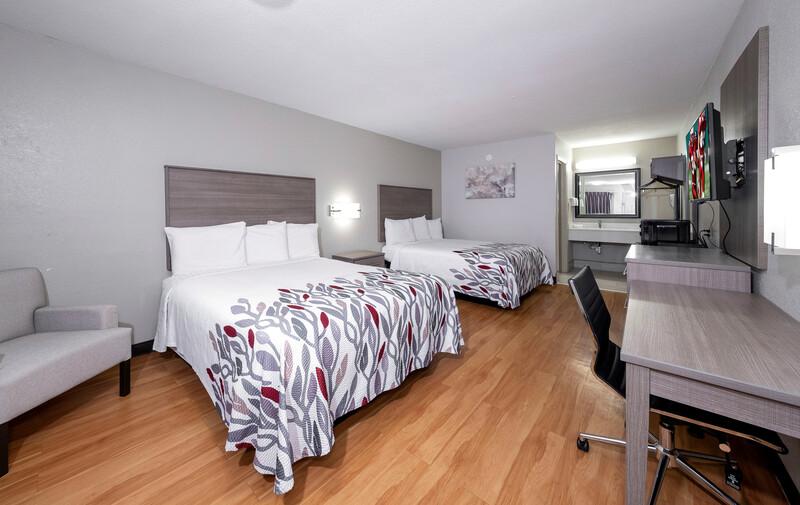 Red Roof Inn Bay Minette Deluxe Double Room Image