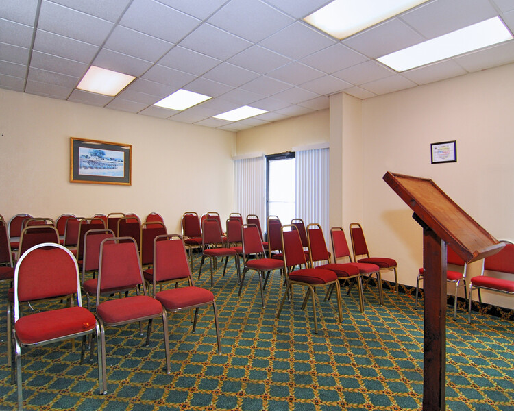 Red Roof Inn Nashville - Music City Meeting Facilities Image