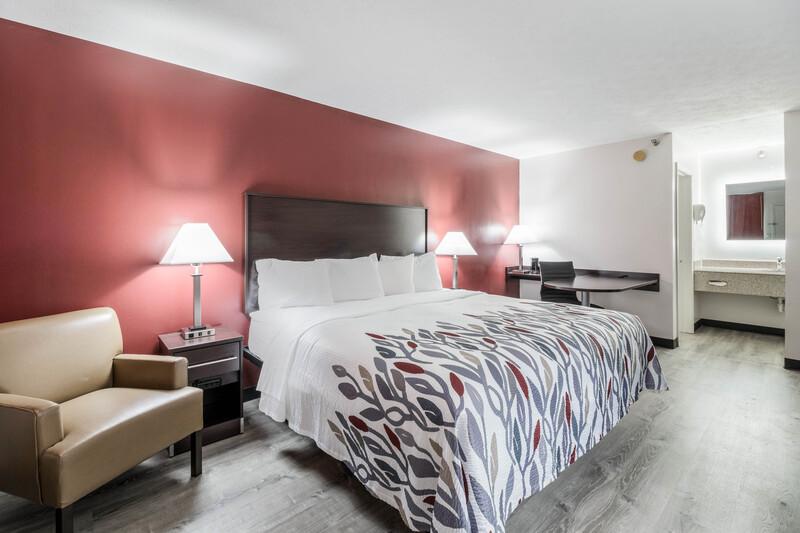 Red Roof Inn Cadiz Single King Room Image