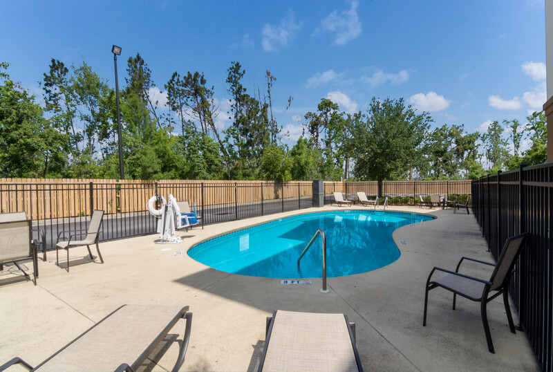 Red Roof Inn Panama City Outdoor Swimming Pool Image