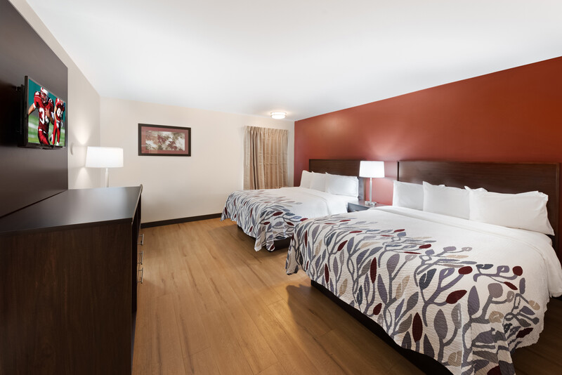 Red Roof Inn Fort Wayne Double Bed Room Image