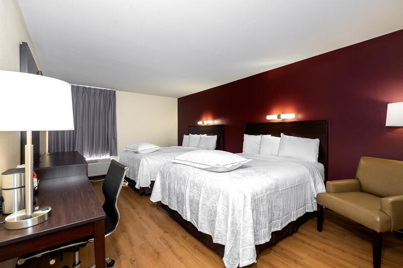 Red Roof PLUS+ Tuscaloosa - University Premium Double Room Image