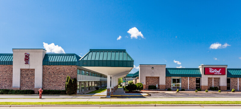 Red Roof Inn & Suites DeKalb Exterior Property Image