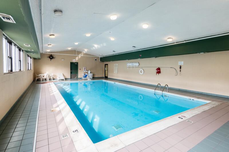 Red Roof Inn Morehead Indoor Swimming Pool Image