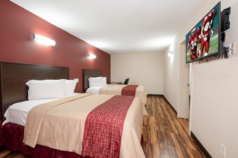 Red Roof Inn Starkville - University Suite Image