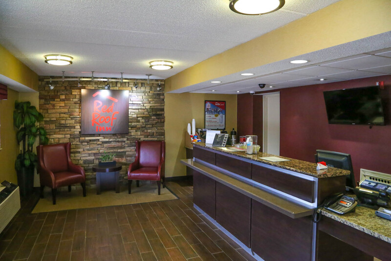 Red Roof Inn Greenville Front Desk and Lobby Image