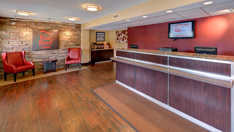 Red Roof Inn Chapel Hill - UNC Front Desk and Lobby Image