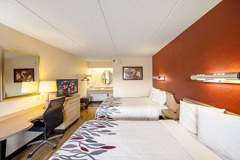 Red Roof Inn St Clairsville - Wheeling West Deluxe Double Room Image