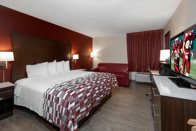 Red Roof Inn Leesburg Single King Room Image