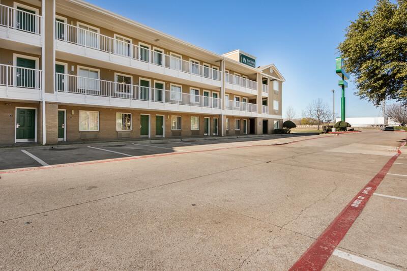 HomeTowne Studios Dallas - Mesquite Property Exterior
