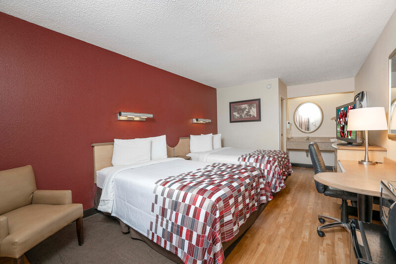 Red Roof Inn Chapel Hill - UNC Deluxe Double Bed Room