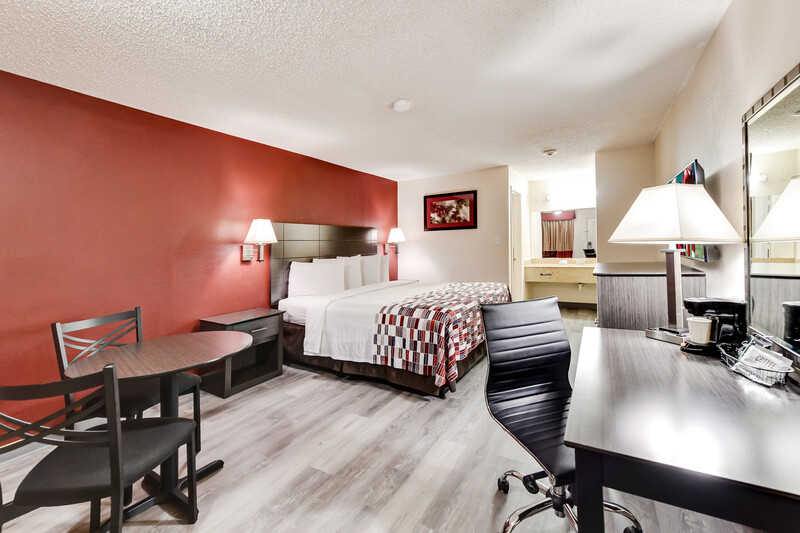 Red Roof Inn Corsicana Single King Bed Room Image