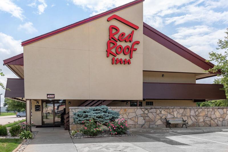 Red Roof Inn Lafayette exterior