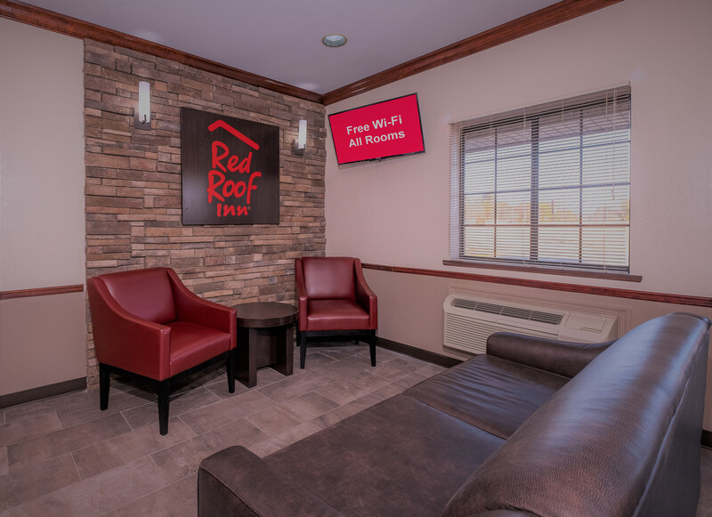 Red Roof Inn Hartselle Front Lobby and Sitting Area Image