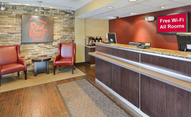 Red Roof Inn Toledo - University Front Desk and Lobby Image