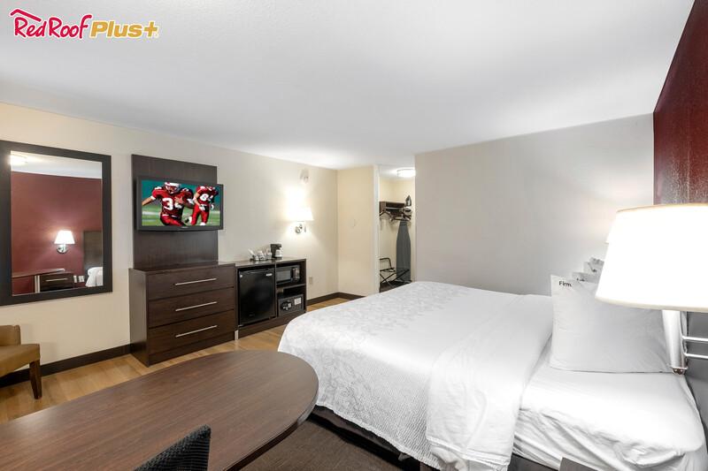 guest room in hotel, front dest & breakfast area