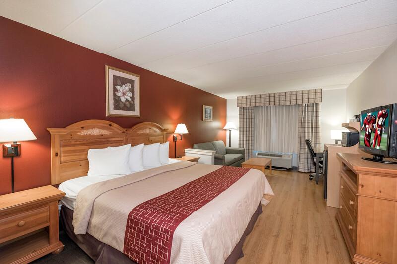 Red Roof Inn & Suites Stafford Suite King Room Image