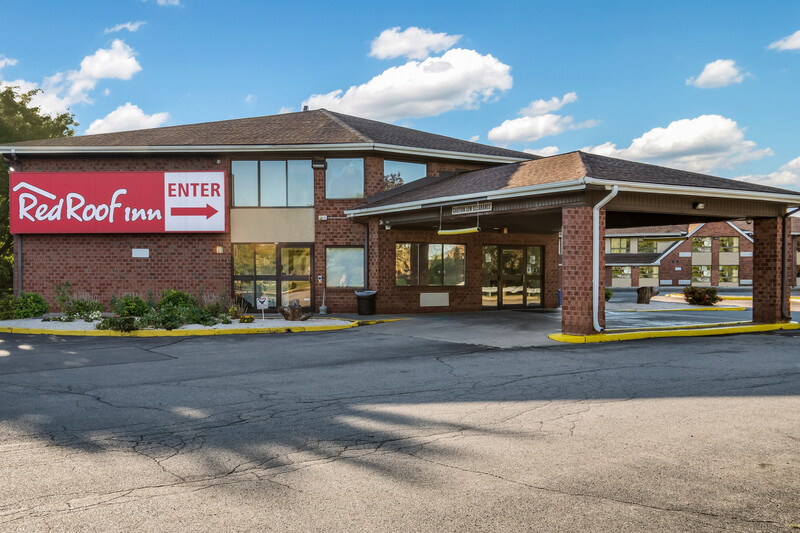 Red Roof Inn Rochester - Airport Property Exterior Image